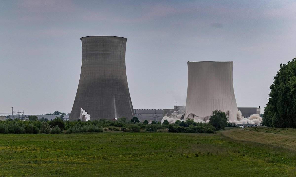 germany-demolish-nuclear-reactors